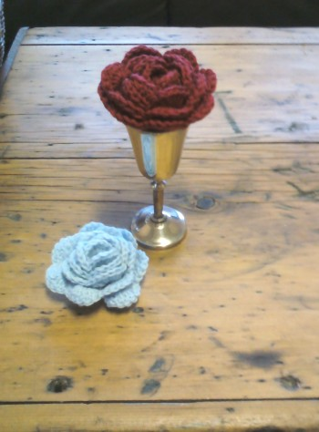 stitchedupmama - crochet roses