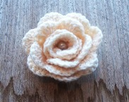 crochet rose brooch - stitchedupmama